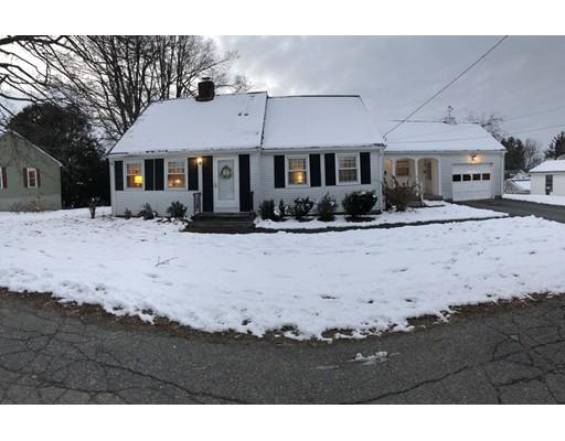 Частный односемейный дом для того Продажа на 15 Simon Court 15 Simon Court Clinton, Массачусетс 01510 Соединенные Штаты