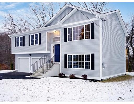 Частный односемейный дом для того Продажа на 17 Ostend Street 17 Ostend Street Johnston, Род-Айленд 02919 Соединенные Штаты