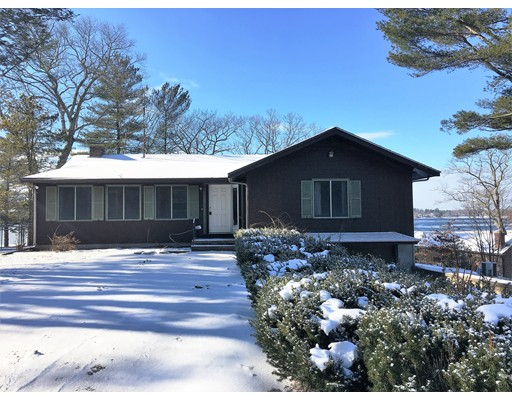 Single Family Home for Sale at 20 Westwind Drive 20 Westwind Drive Webster, Massachusetts 01570 United States