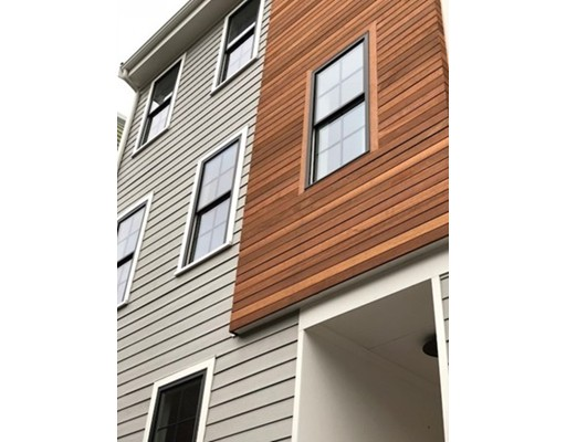 Additional photo for property listing at 257 Border  Boston, Massachusetts 02128 Estados Unidos
