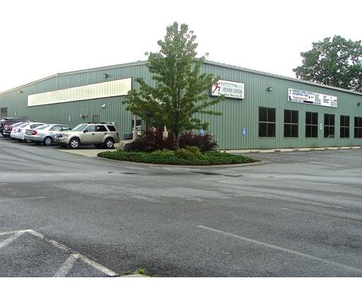 Commercial pour l Vente à 51 Sumner Street 51 Sumner Street Milford, Massachusetts 01757 États-Unis