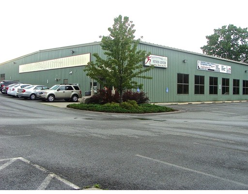 商用 为 销售 在 51 Sumner Street 51 Sumner Street Milford, 马萨诸塞州 01757 美国