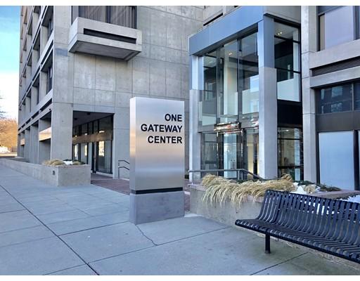 Casa Unifamiliar por un Alquiler en 1 Gateway Center Newton, Massachusetts 02458 Estados Unidos