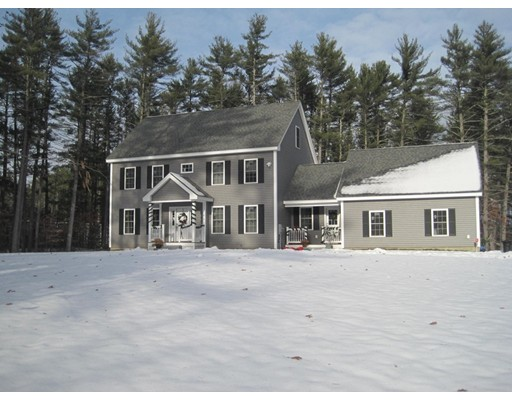 Single Family Home for Sale at 359 Main 359 Main Townsend, Massachusetts 01469 United States
