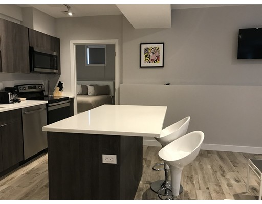 Частный односемейный дом для того Аренда на 89 Marion Street 89 Marion Street Brookline, Массачусетс 02446 Соединенные Штаты