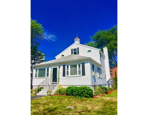 Single Family Home for Rent at 14 Rockland House Road 14 Rockland House Road Hull, Massachusetts 02045 United States