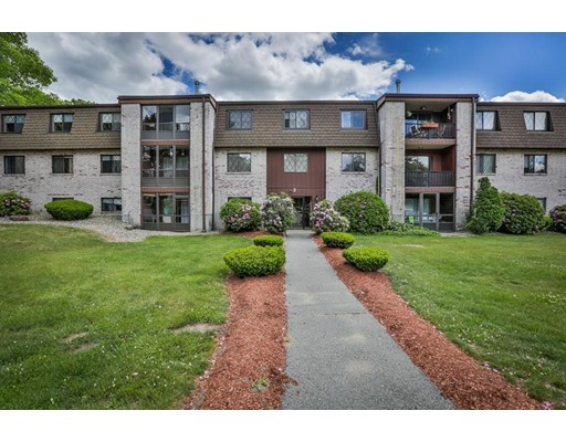 شقة بعمارة للـ Rent في 2 Greenbriar Drive #206 2 Greenbriar Drive #206 North Reading, Massachusetts 01864 United States
