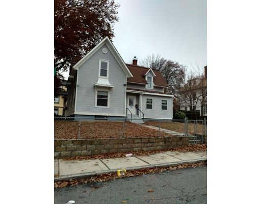 Maison unifamiliale pour l Vente à 58 Queen Street 58 Queen Street Worcester, Massachusetts 01610 États-Unis