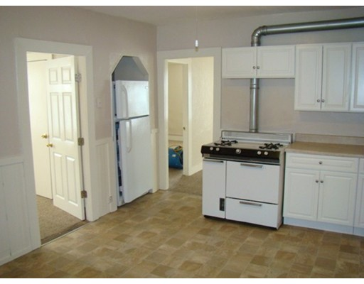 شقة للـ Rent في 15 Elm Ct #C 15 Elm Ct #C Millbury, Massachusetts 01527 United States