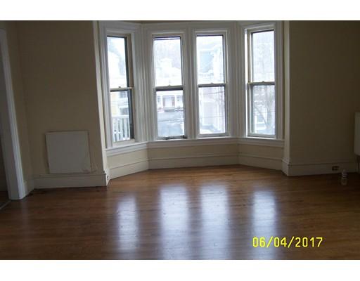 Apartamento por un Alquiler en 88 Walnut #2 88 Walnut #2 Clinton, Massachusetts 01510 Estados Unidos