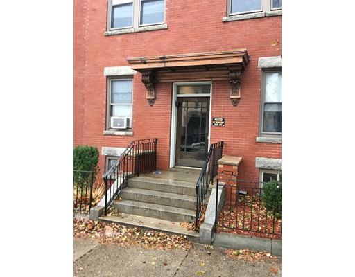 Single Family Home for Rent at 556 main Malden, 02148 United States
