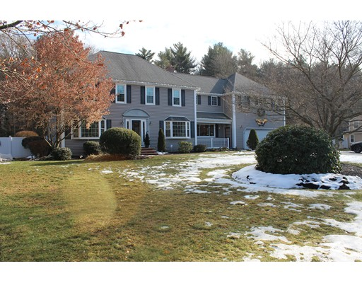 Single Family Home for Sale at 40 Sachem Rock Avenue 40 Sachem Rock Avenue East Bridgewater, Massachusetts 02333 United States