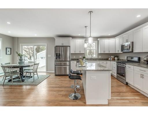 独户住宅 为 销售 在 1 Hunt Street 丹佛市, 01923 美国