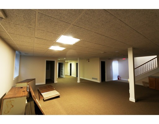 Commercial for Rent at 73 Main Street 73 Main Street Carver, Massachusetts 02330 United States