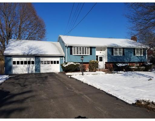 Maison unifamiliale pour l Vente à 720 Plymouth Street 720 Plymouth Street Holbrook, Massachusetts 02343 États-Unis