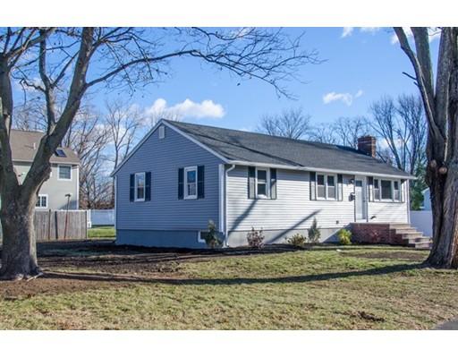 独户住宅 为 销售 在 41 Putnam Avenue 41 Putnam Avenue 韦克菲尔德, 马萨诸塞州 01880 美国