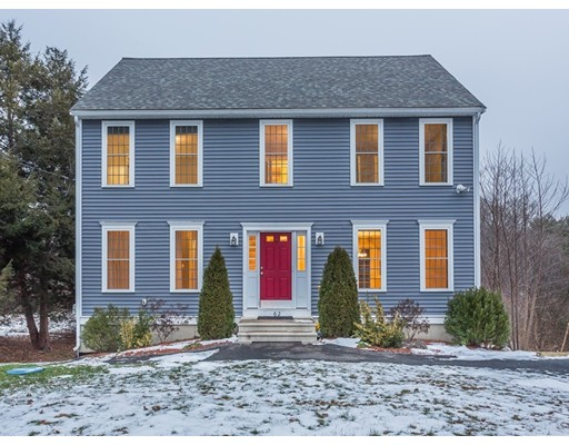 独户住宅 为 销售 在 62 East Street 62 East Street East Bridgewater, 马萨诸塞州 02333 美国