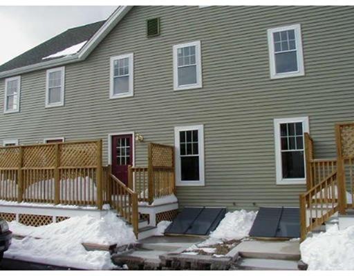 Частный односемейный дом для того Аренда на 4 Rand Street 4 Rand Street Lynn, Массачусетс 01904 Соединенные Штаты