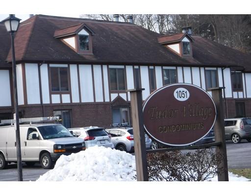 Condominio por un Alquiler en 1051 Elm #17C 1051 Elm #17C West Springfield, Massachusetts 01089 Estados Unidos
