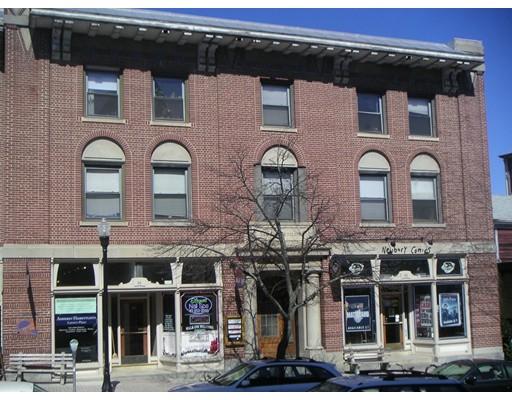 商用 为 出租 在 44 Main Street 44 Main Street Amherst, 马萨诸塞州 01002 美国