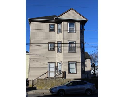 Casa Multifamiliar por un Venta en 161 Haffards Street 161 Haffards Street Fall River, Massachusetts 02723 Estados Unidos