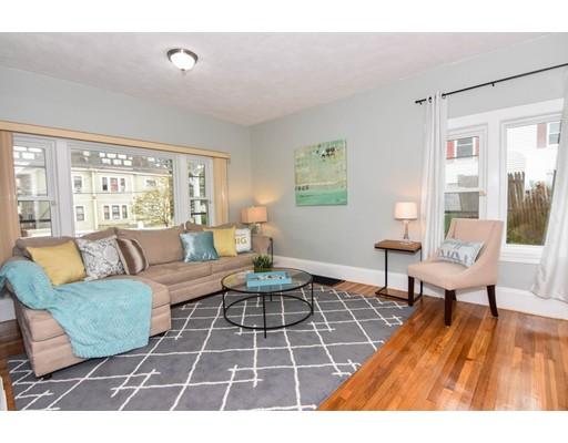 Casa Unifamiliar por un Alquiler en 111 Walnut Street Malden, Massachusetts 02148 Estados Unidos