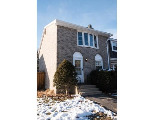 Maison unifamiliale pour l Vente à 63 Fieldstone 63 Fieldstone Londonderry, New Hampshire 03053 États-Unis