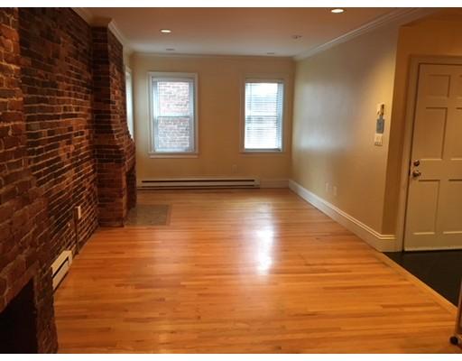 Casa Unifamiliar por un Alquiler en 1 Hull Street Court Boston, Massachusetts 02113 Estados Unidos