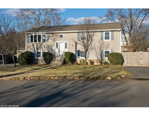 Single Family Home for Sale at 15 meadow 15 meadow Dedham, Massachusetts 02026 United States