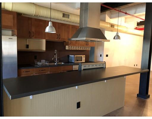 Single Family Home for Rent at 406 Lincoln Street 406 Lincoln Street Marlborough, Massachusetts 01752 United States