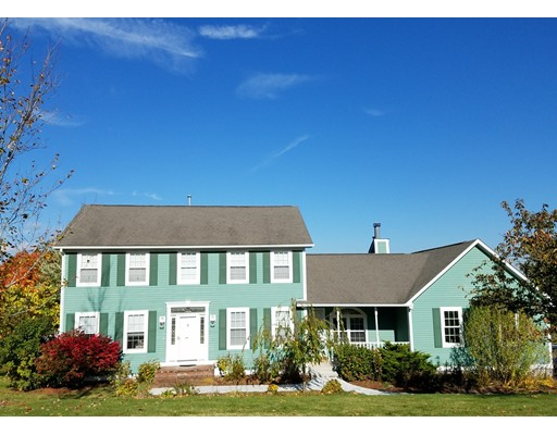 Single Family Home for Rent at 2 Cider Court #2 2 Cider Court #2 Cumberland, Rhode Island 02864 United States