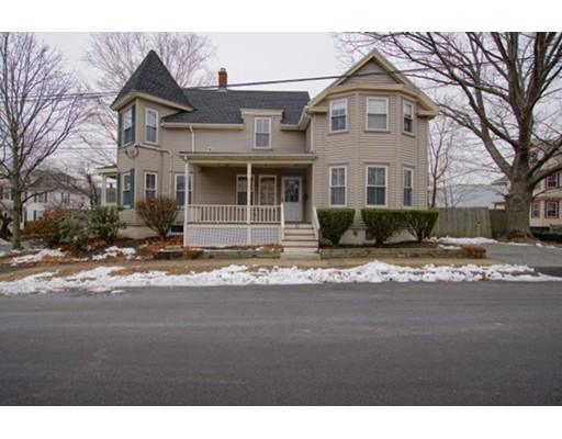 Casa multifamiliare per Vendita alle ore 12 Bay View Avenue 12 Bay View Avenue Danvers, Massachusetts 01923 Stati Uniti