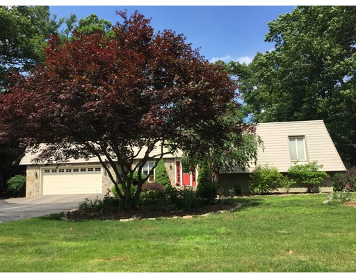 Single Family Home for Sale at 29 Lancelot Drive Paxton, Massachusetts 01612 United States