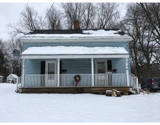 Многосемейный дом для того Продажа на 65 East 65 East Dalton, Массачусетс 01226 Соединенные Штаты