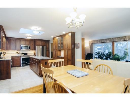Частный односемейный дом для того Аренда на 40 Vine Street #40 40 Vine Street #40 Lexington, Массачусетс 02421 Соединенные Штаты