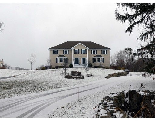 Single Family Home for Rent at 29 Turkey Hill Road 29 Turkey Hill Road West Newbury, Massachusetts 01985 United States