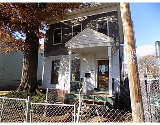 Многосемейный дом для того Продажа на 163 Elm Street 163 Elm Street Holyoke, Массачусетс 01040 Соединенные Штаты