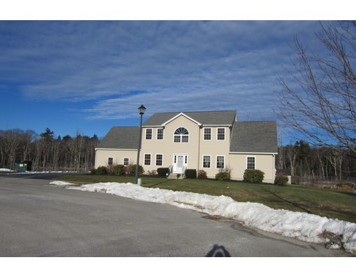 Single Family Home for Sale at 8 Chelsie Way 8 Chelsie Way Charlton, Massachusetts 01507 United States