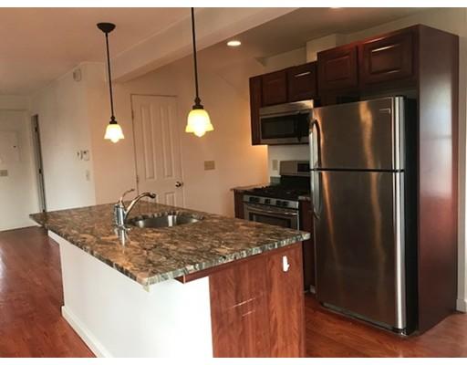 独户住宅 为 出租 在 137 Thorndike Street 阿灵顿, 02472 美国