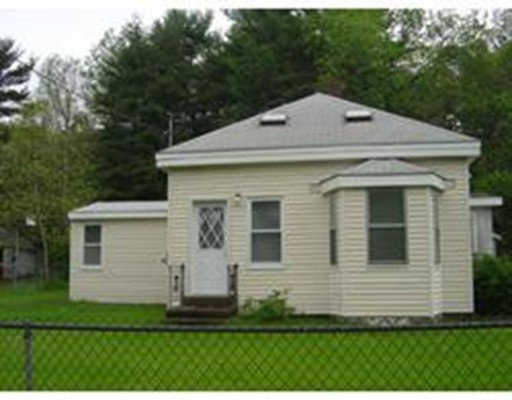 Single Family Home for Rent at 179 South Street 179 South Street Hanson, Massachusetts 02341 United States