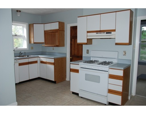 Picture 10 of 177 South Pleasant  Haverhill Ma 5 Bedroom Multi-family