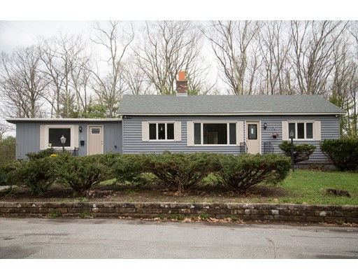 Maison unifamiliale pour l Vente à 4 Letourneau Lane 4 Letourneau Lane Rindge, New Hampshire 03461 États-Unis