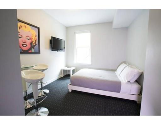 Casa Unifamiliar por un Alquiler en 245 Newbury Boston, Massachusetts 02116 Estados Unidos