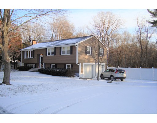 Single Family Home for Sale at 77 Windsor Drive 77 Windsor Drive Whitman, Massachusetts 02382 United States