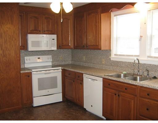 公寓 为 出租 在 51 Thompson Street #51 51 Thompson Street #51 Amesbury, 马萨诸塞州 01913 美国