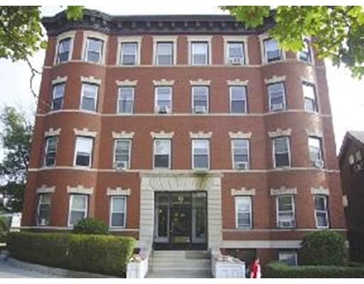 独户住宅 为 出租 在 9 Summit Avenue 布鲁克莱恩, 马萨诸塞州 02446 美国