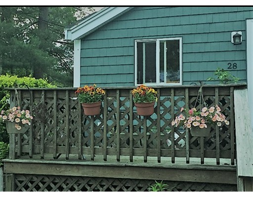Casa Unifamiliar por un Venta en 28 Fern Road 28 Fern Road Holbrook, Massachusetts 02343 Estados Unidos