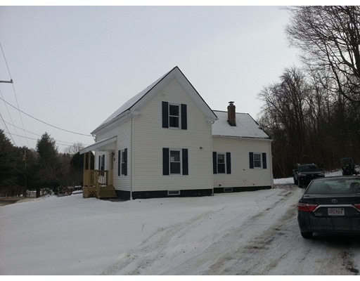 Single Family Home for Sale at 11 E Brookfield Road 11 E Brookfield Road North Brookfield, Massachusetts 01535 United States