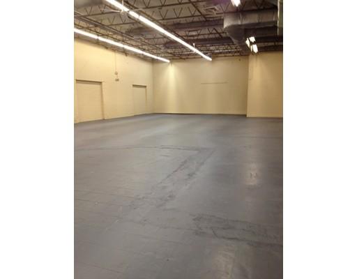 Commercial pour l à louer à 127 Smith Place 127 Smith Place Cambridge, Massachusetts 02138 États-Unis