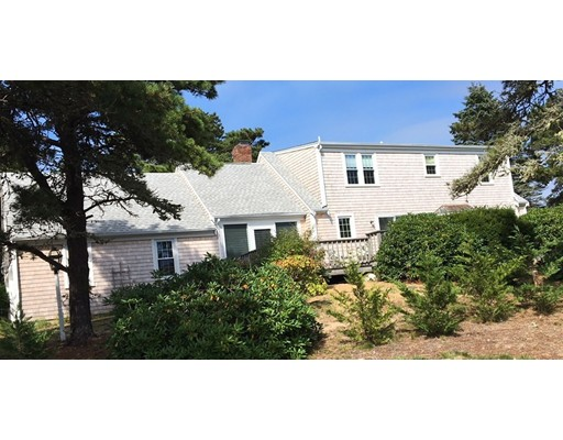 Maison unifamiliale pour l Vente à 86 Sulphur Springs Road 86 Sulphur Springs Road Chatham, Massachusetts 02633 États-Unis